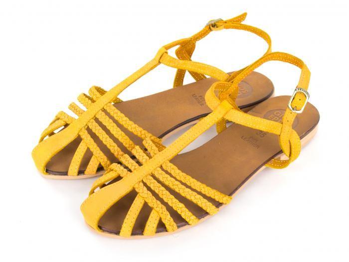 888b5d082 sandalias niña amarillas planas de piel Arunsua