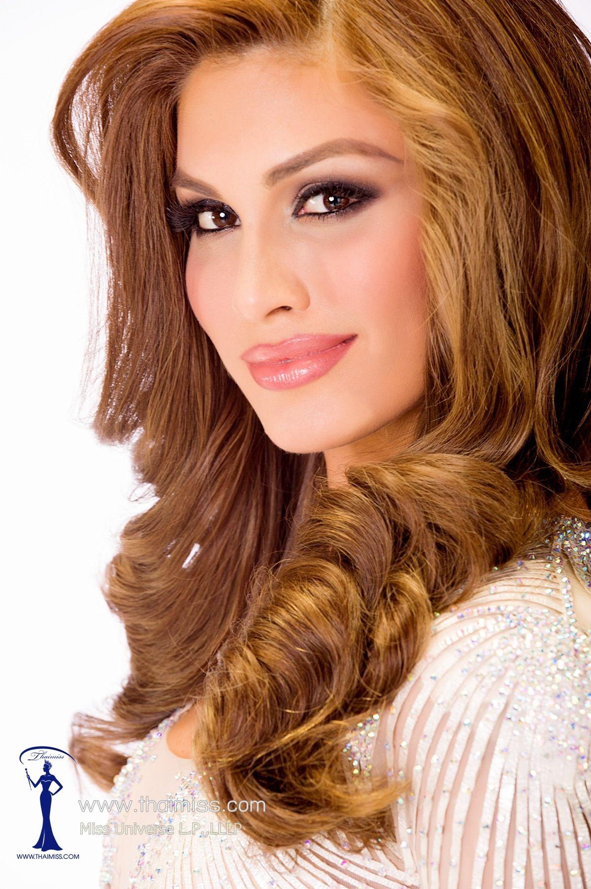 Pin de Christina en HAIR & CURLERS   Cabello del certamen