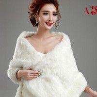 Wish | new 2016 wedding jacket Bride cape winter bride red beige pearl ball thermal fur shawl bolero women wedding coat ivory color zkc uncle (Size: M, Color: White)