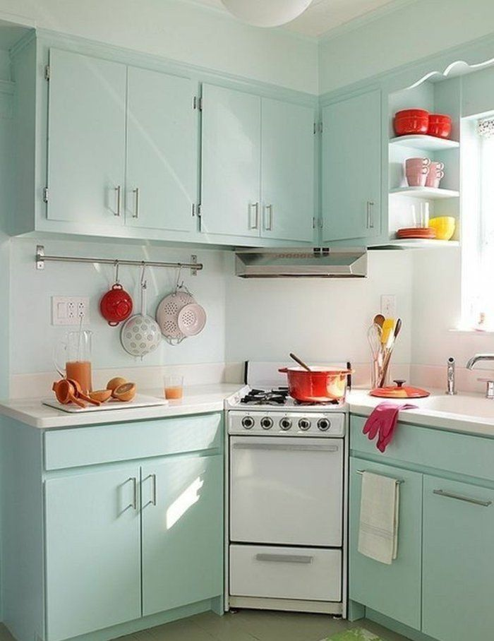 Comment Amenager Une Petite Cuisine Idees En Photos Tiny House Kitchen Kitchen Remodel Countertops Kitchen Design Small