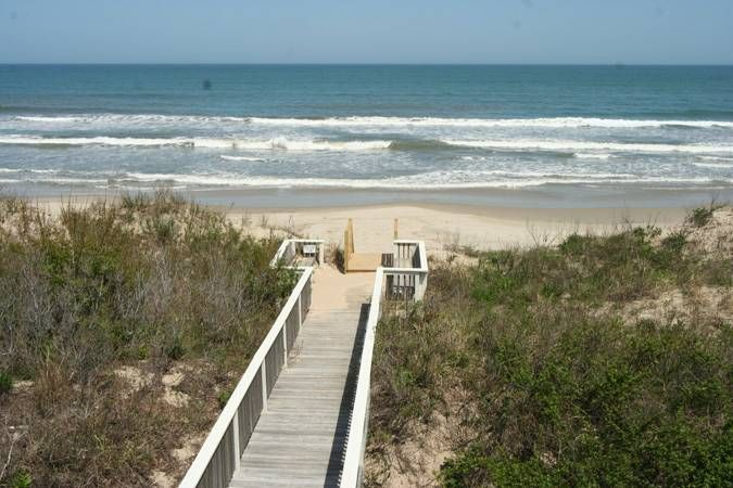 Diamond Girl 496 Corolla Vacation Rentals Great Obx House For A Beach Wedding Nc Vacation Rentals Vacation Rental Canada Travel