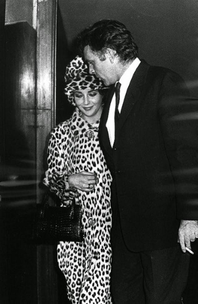 Elizabeth Taylor And Richard Burton Elizabeth Taylor Elizabeth Taylor Style Burton And Taylor