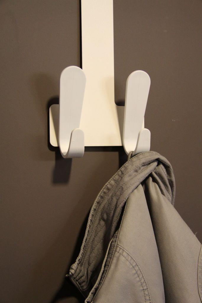 Er moeten jassen opgehangen kunnen worden