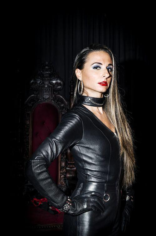 Mistress Adrienne-7945