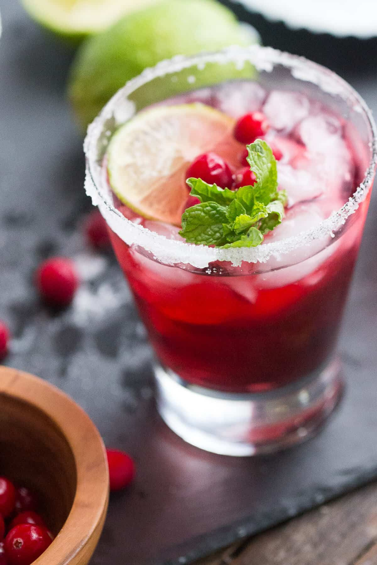 Make A Daiquiri Pitcher And Bring Life To Your Party This Cranberry Flavored Daiquiri Is A Unique Take On The Popu Mojito Cocktail Recipe Yummy Drinks Recipes