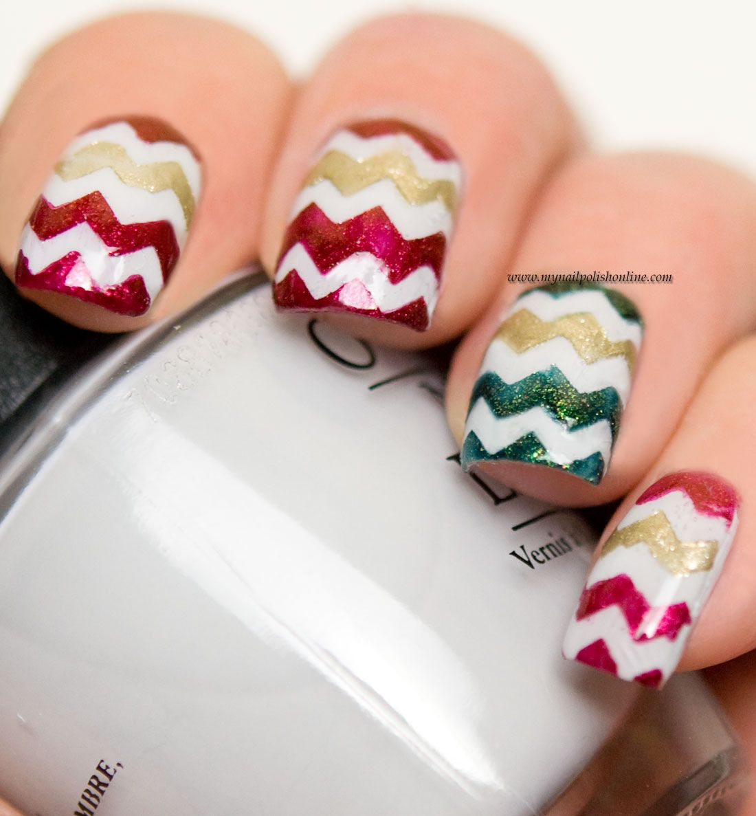 Christmas Chevrons | Winter nails, Winter nail art and Nails inspiration
