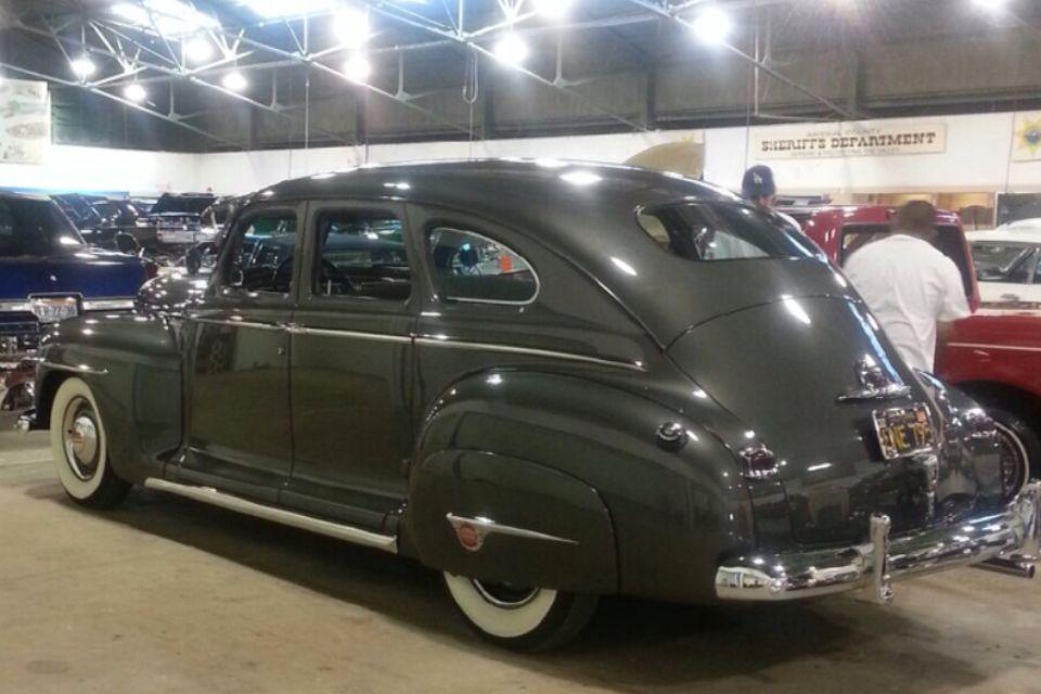 1948 plymouth special deluxe 4 door cars pinterest for 1948 dodge 2 door sedan
