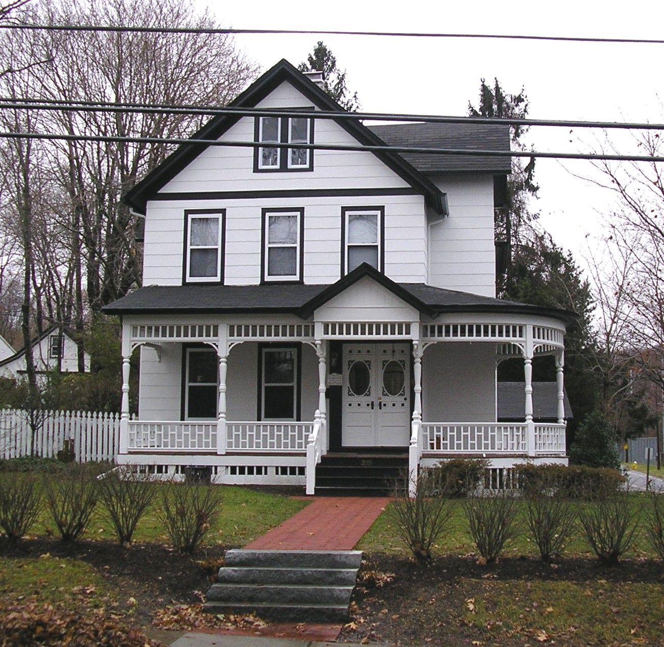 Acf field city post id location profile portfolio in - Black house white trim ...