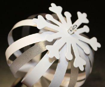 Diy papier kugeln something about christmas time basteln basteln weihnachten und weihnachten - Papierkugeln basteln ...