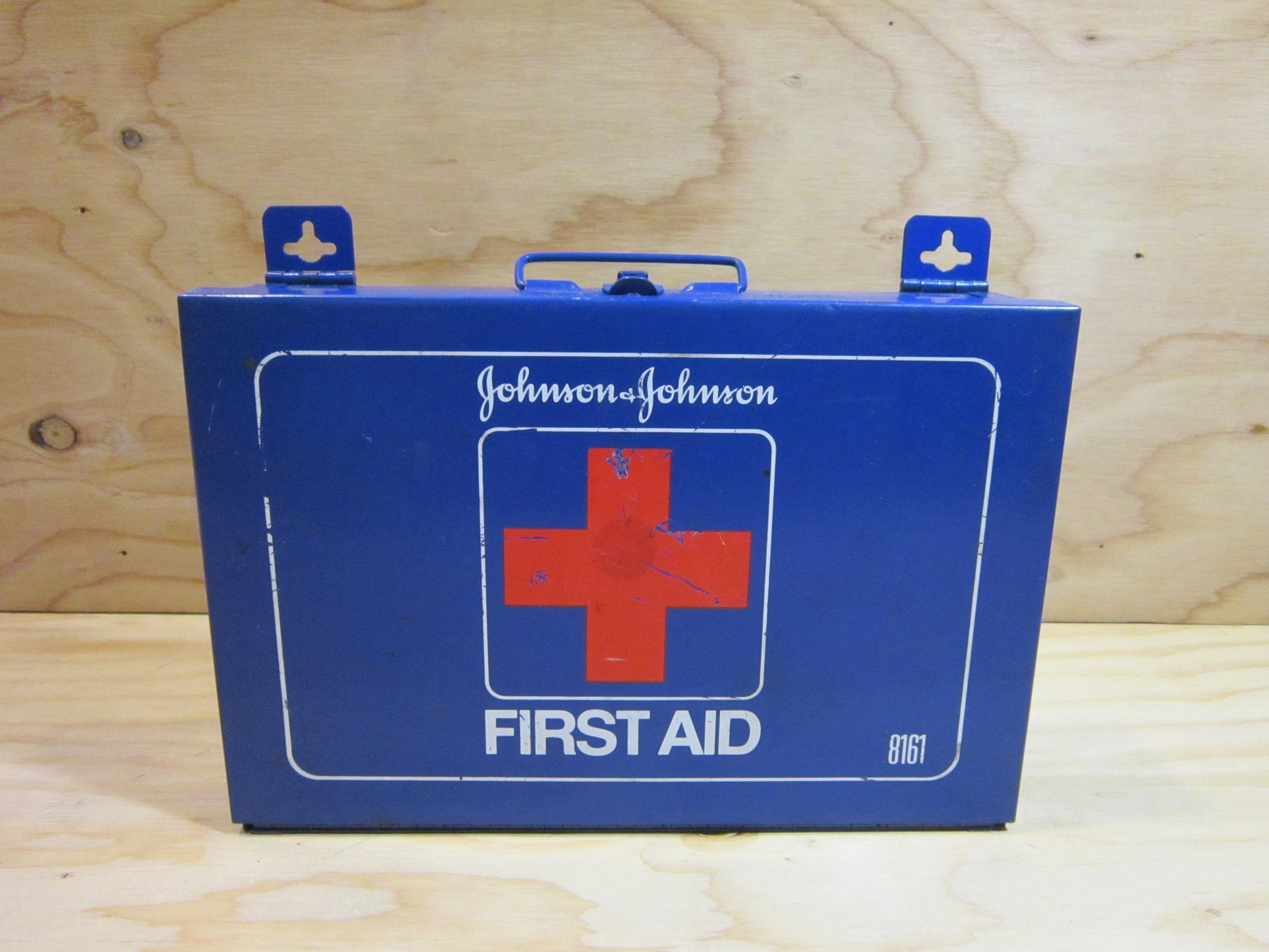 Vintage Johnson Johnson First Aid Kit 8161 In Blue Metal Johnson And Johnson First Aid Kit First Aid