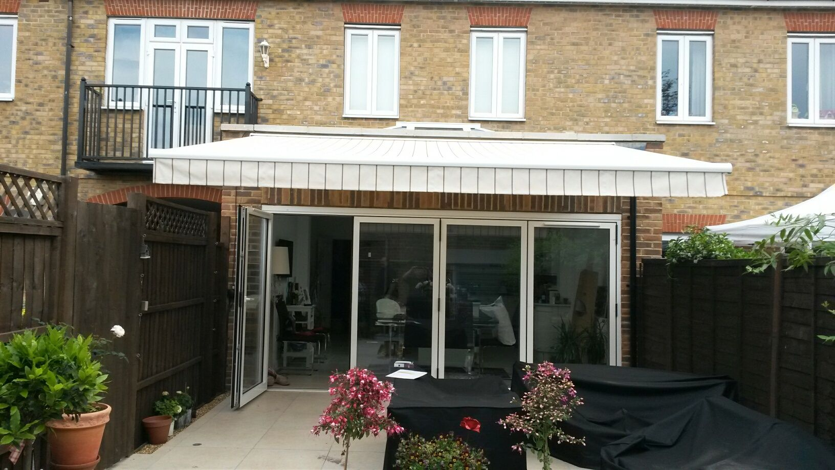 Classic Awning For Bifold Doors Offering Super Shelter