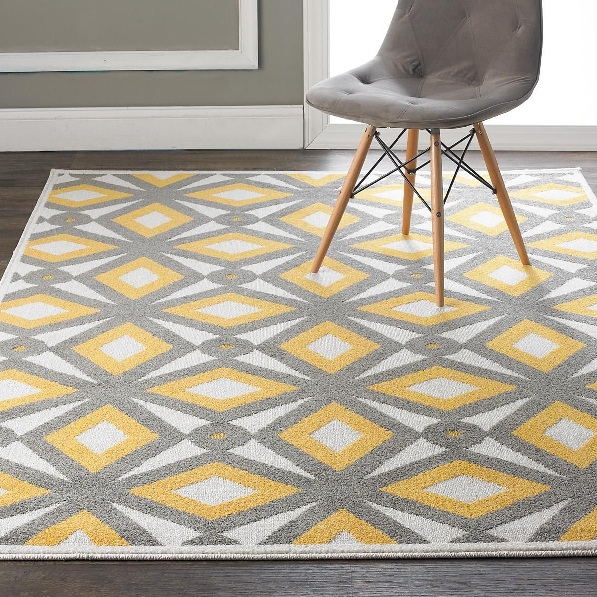 Modern kaleidoscope indoor outdoor rug a retro modern for Discount indoor outdoor carpet