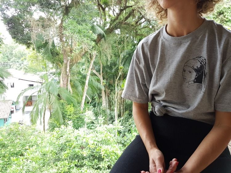 Moca Com Brinco De Perola Women Shirts T Shirt