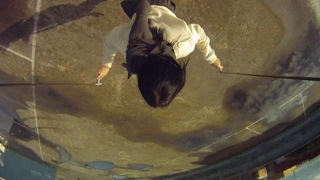 Full Circle. Video by Callum Cooper. Si os mareais con facilidad, no le deis al play.