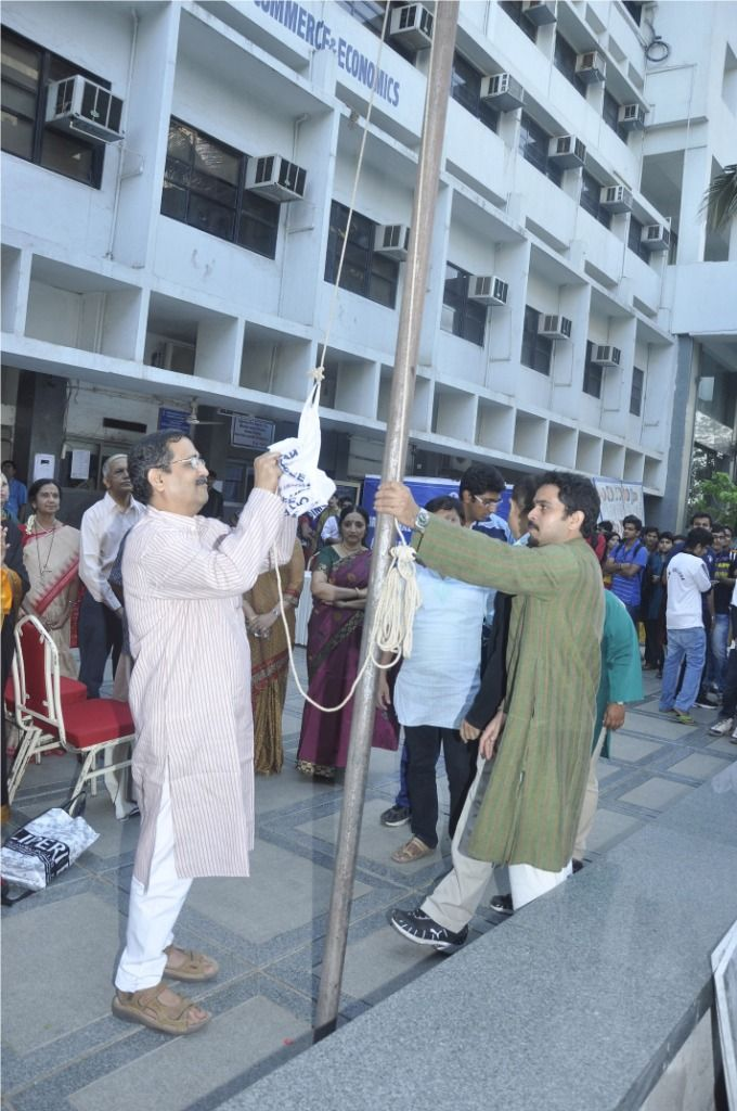 Flag Off 2012 Annual Sports day by Principal  - Narsee Monjee College of Commerce and Economics.