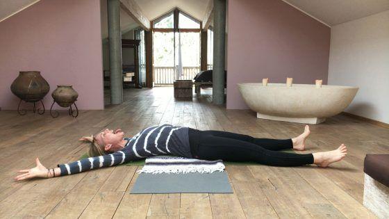 Öl für die Hüften 2 – Twisting Gecko ॐ YOGAMOUR Yoga Videos