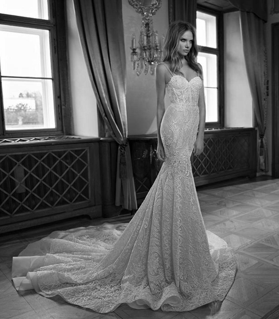 Berta 15 110 Wedding Dress Used, Size 14, 7,500