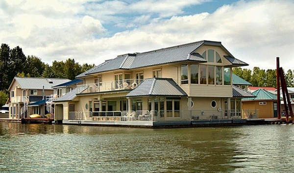 9 outrageous floating homes for sale boating real Floating homes portland