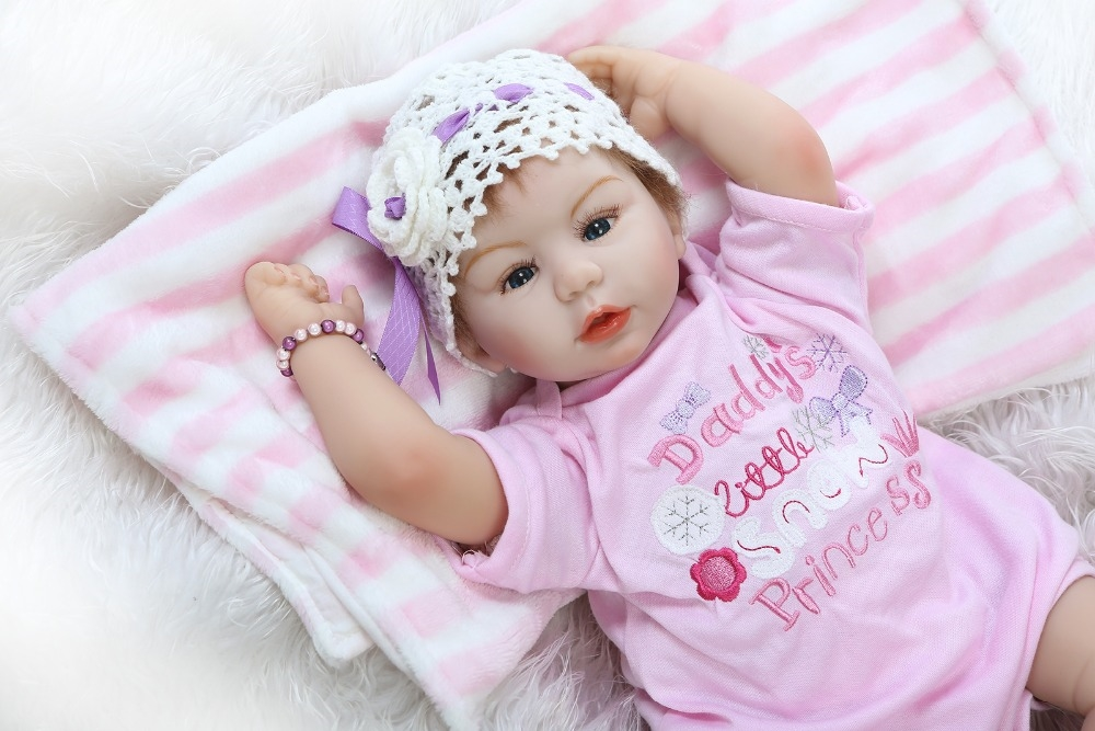 87.19$  Buy now - http://alirop.worldwells.pw/go.php?t=32735307537 - New design 55cm Realistic doll soft silicone reborn baby doll playing toys for kids Christmas sweet baby 87.19$