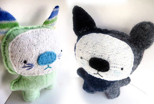 Moderncat Etsy Find: Repurposed Sweater Kitties from Sighfoo   moderncat :: cat products, cat toys, cat furniture, and more…all with modern style
