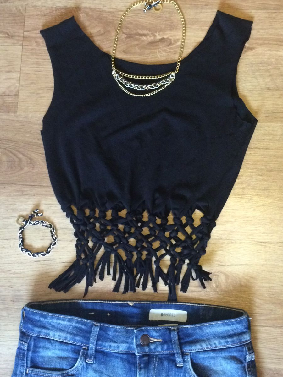 Upcycling  Cooles Crop Top mit Knoten und Fransen   Upcycle clothing ... b078ddbb81