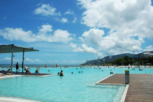 The Free Lagoon Pool By The Sea In Cairns Australia Right Next To The Great Barrier Reef It Is One Of The Australia Vacation Big Swimming Pools Lagoon Pool