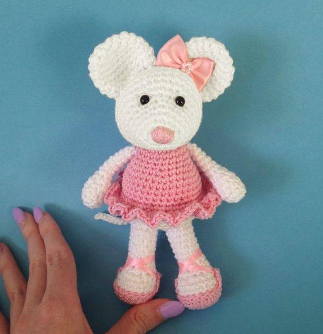 Heart sew ballerina mouse free crochet amigurumi pattern crochet animals dt1010fo
