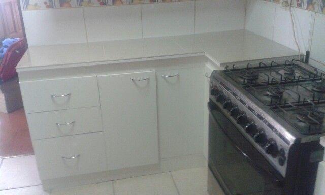 Mueble cocina con cubierta de porcelanato  videos de