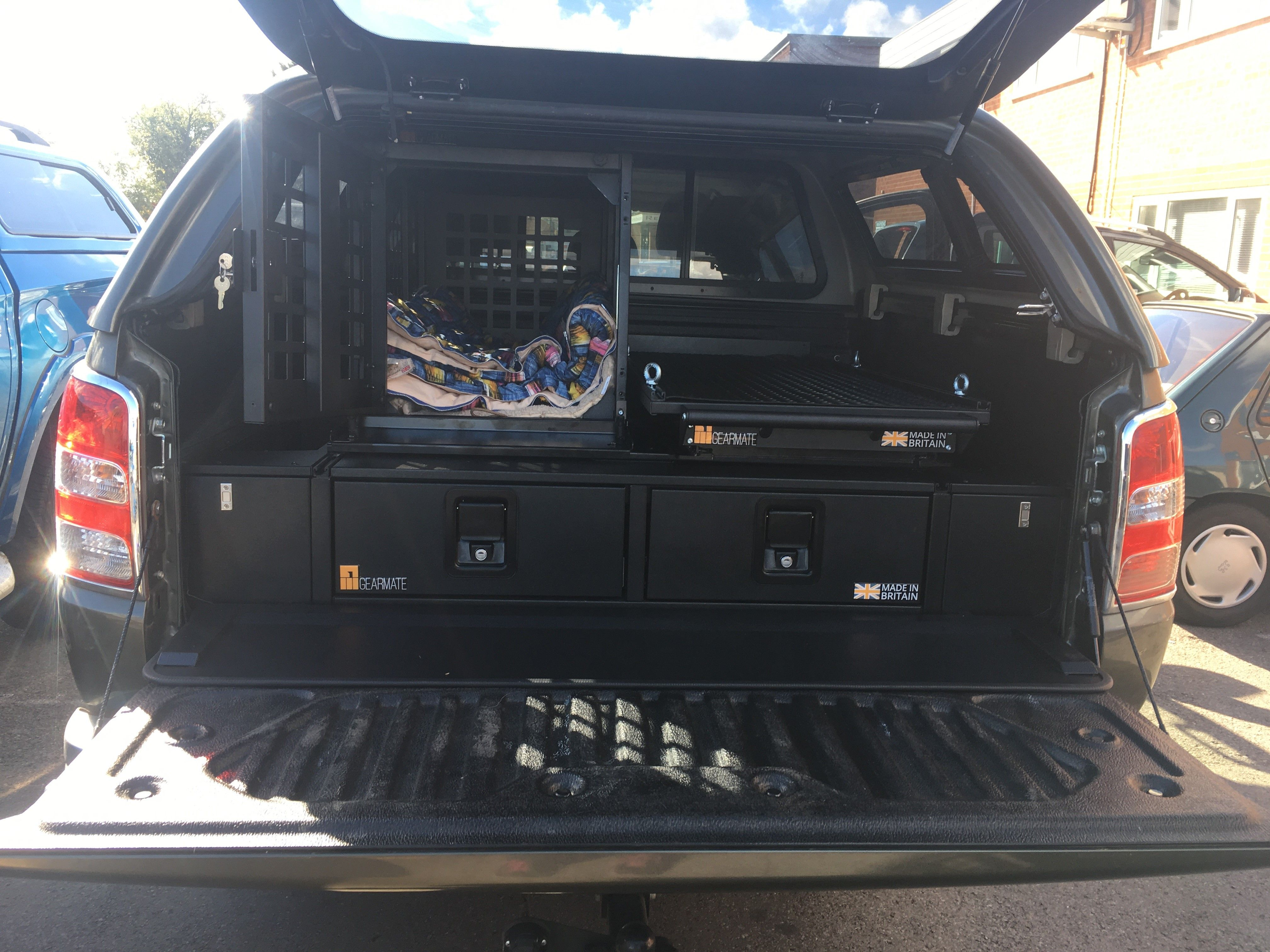 Mitsubishi L200 fitted with gearmate 226MM Twin Drawer