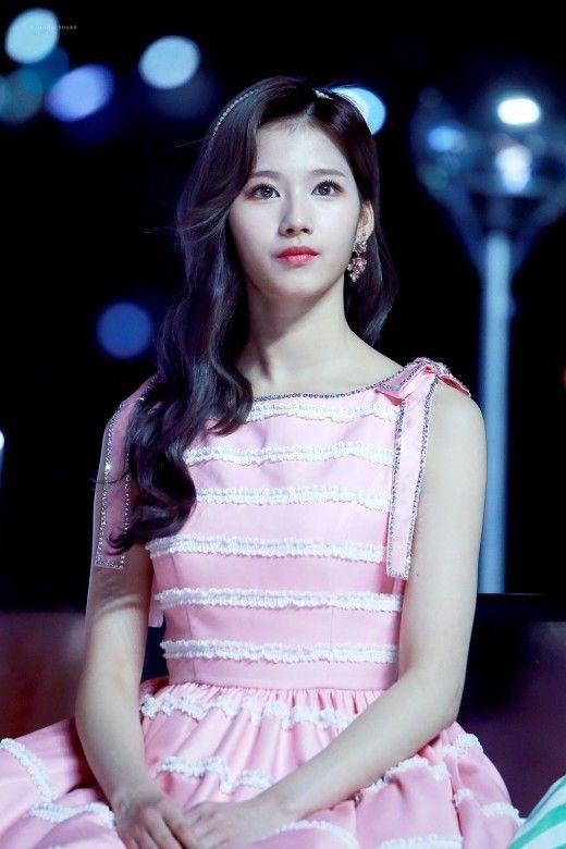 Top 10 Most Beautiful K Pop Female Idols 2020 In 2020 Kpop Girls Girl Flower Girl Dresses