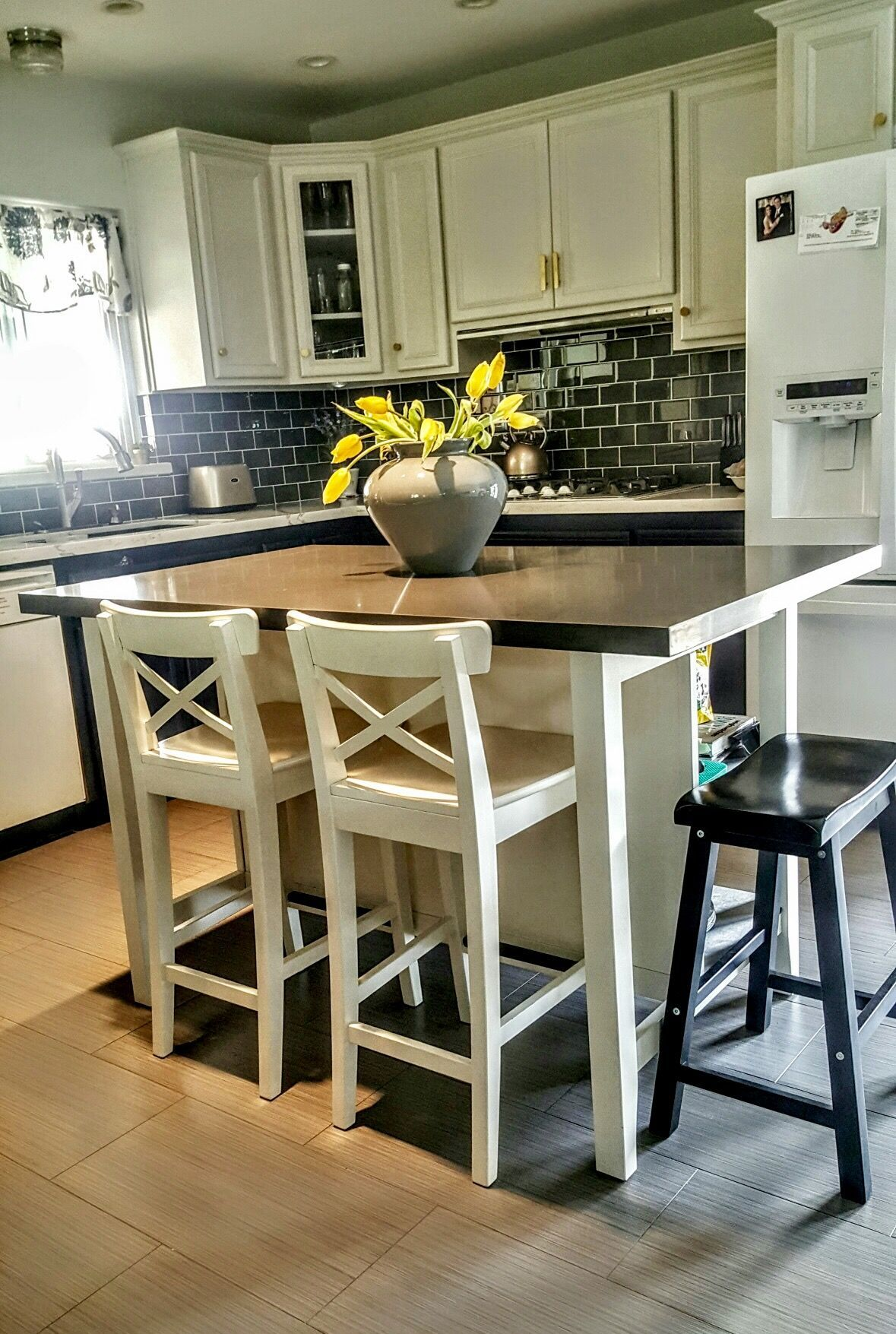 21 Unique Kitchen Island Ideas For Every Space And Budget Homelovers Kitchen Island With Seating Ikea Portable Kitchen Island Small Kitchen Tables