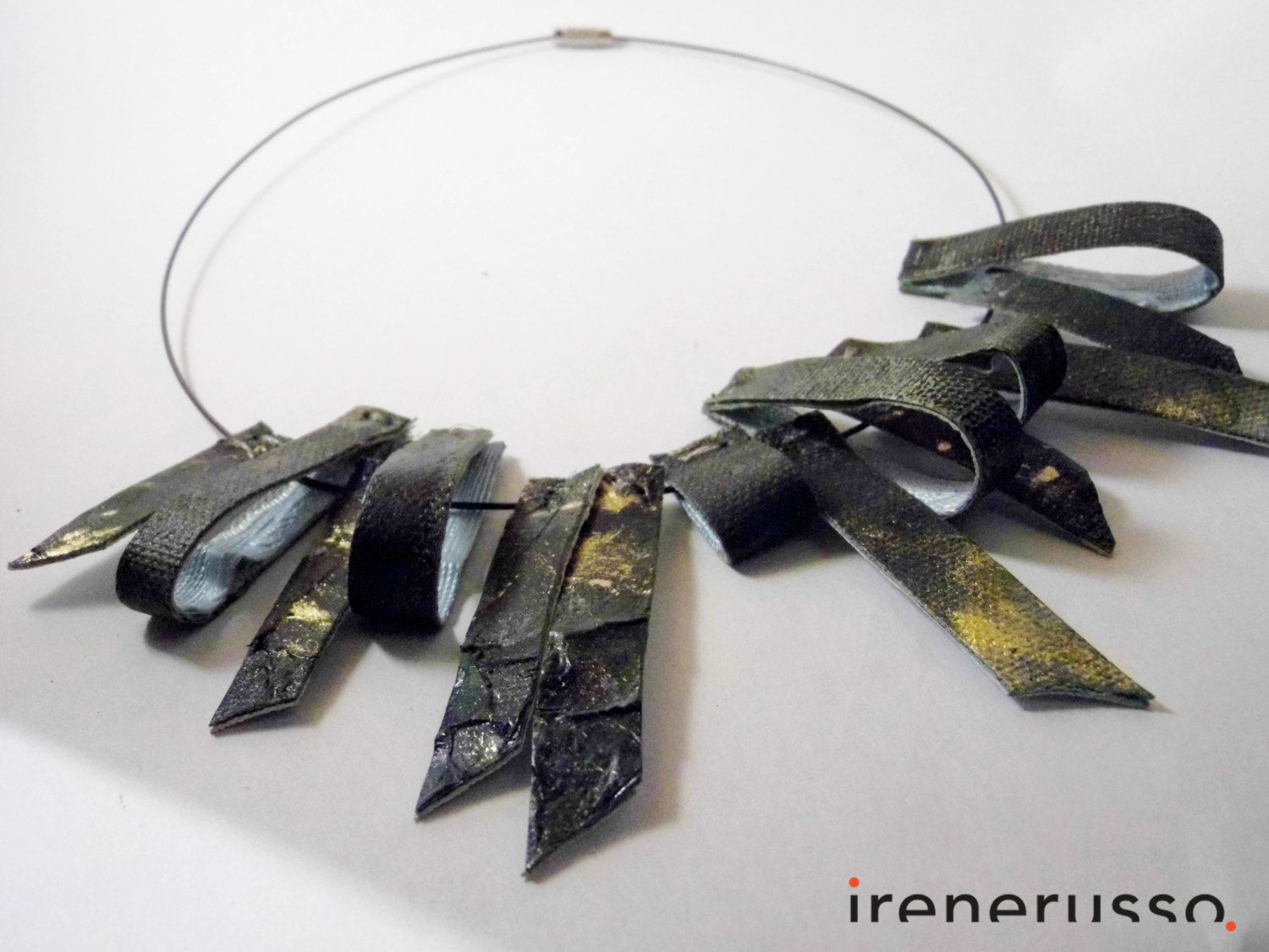 "Collana ""gocce"" dipinta a mano di IreneRussoArt su Etsy #necklace #art #painting"