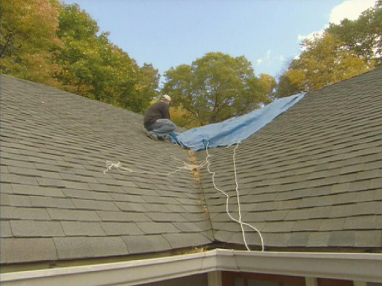 Handle The Roof On Your Home Like A Pro With These Tips Roofing Roof Repair Diy Roof