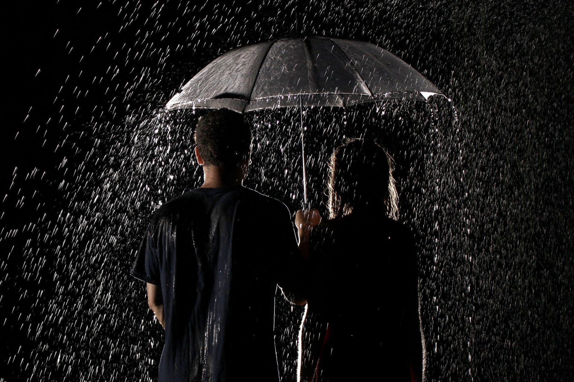 Loving couple after rain wallpaper download hd wallpaper pictures - Find Out Couple Under Rain Umbrella Wallpaper On Http Hdpicorner Com Couple Under Rain Umbrella Desktop Wallpapers Pinterest Rain Umbrella