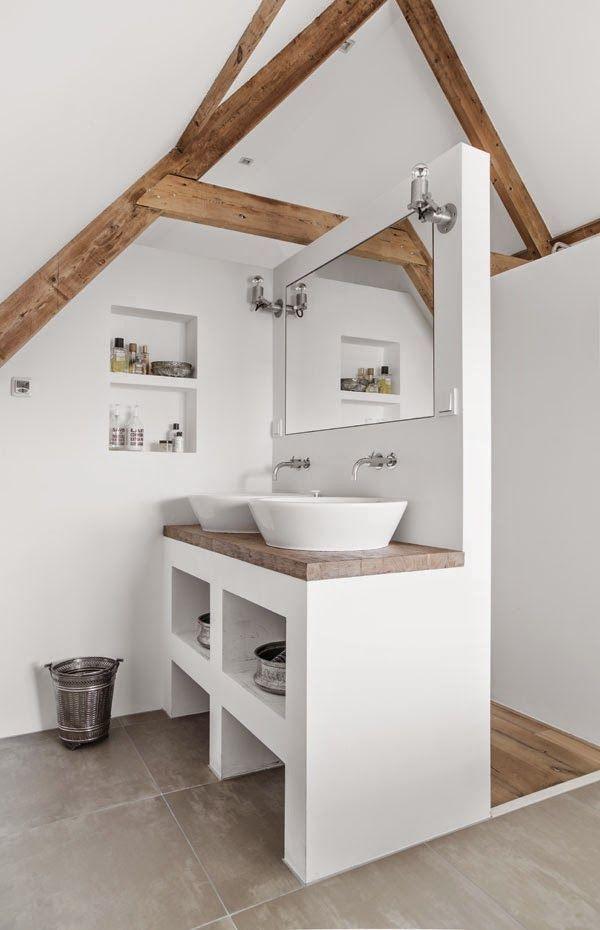 licht houten vloer donker houten spanten - Google zoeken - Badkamer ...