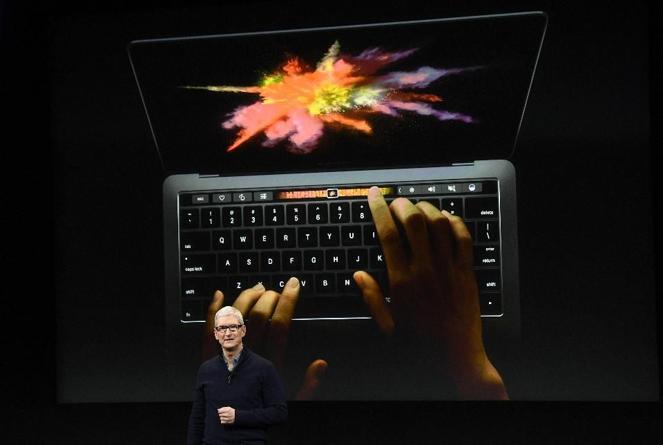 Leadership As Software Giants Microsoft And Google Push Big In Hardware Apple May Lose Its Cool Http Pic Twit Macbook Pro New Macbook Macbook Pro Laptop