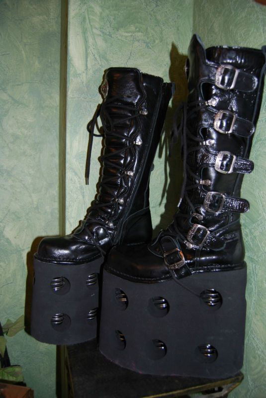 af5ac136d29fb New Rock huge platform boots with double springs. | Lookin' good ...