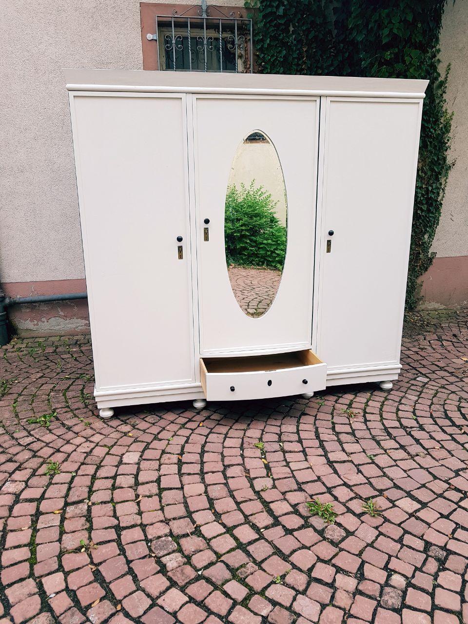 großer Kleiderschrank Shabby Chic Weiß 3 Türer mit Spiegel ...