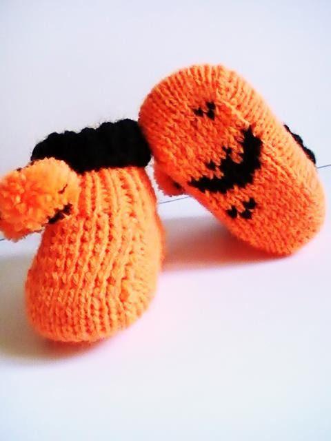 """Chaussons bébé """"Halloween""""chauve-souris : Mode Bébé par creations-fait-main-divers"""