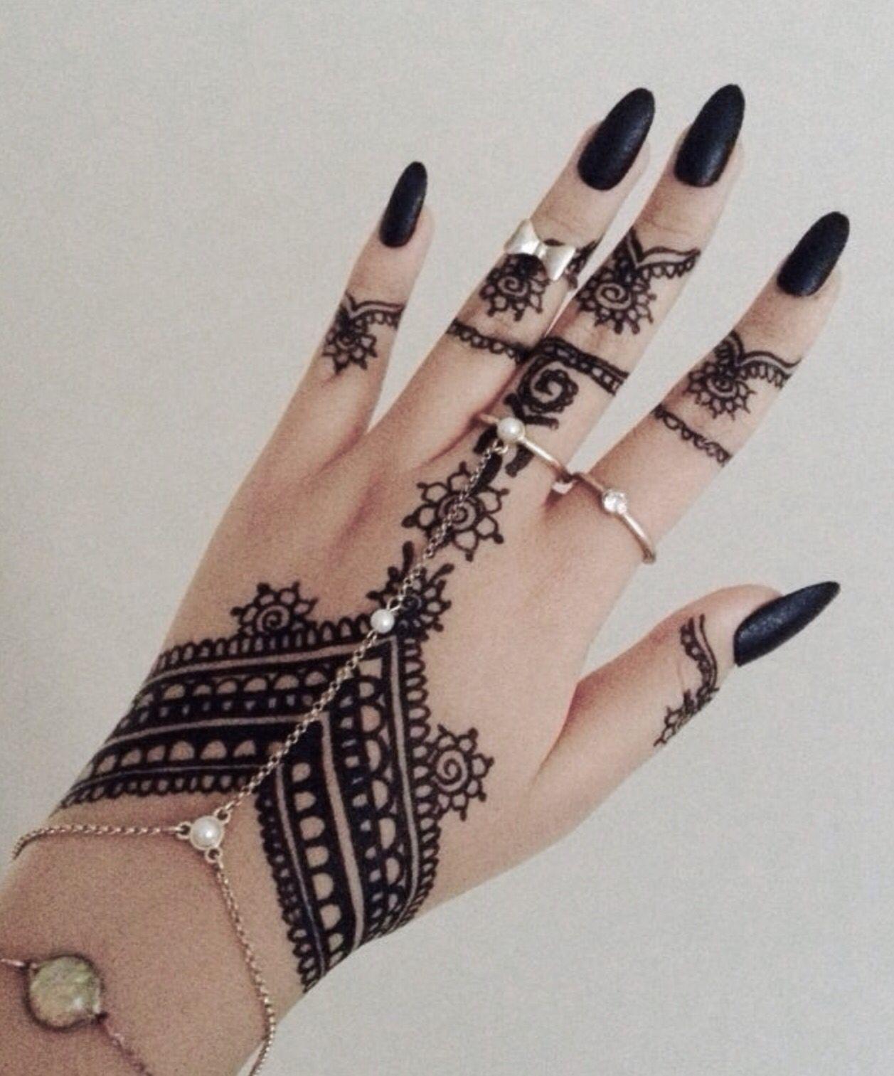 Pinterest Darkfrozenocean Henna Ink Print Design Pretty Unique Art Brown Black White Tattoo Henna Tattoo Designs Henna Tattoo Hand Henna