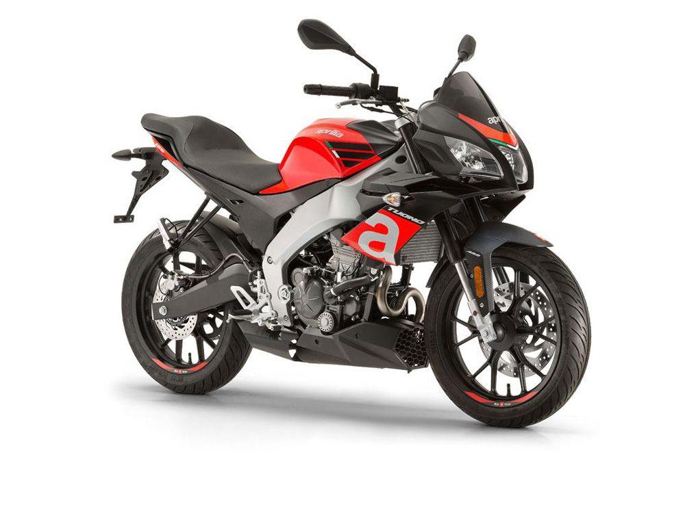 Texnologia Kai Styl Superbike H Grammh Einai Empneysmenh Ap Ayth