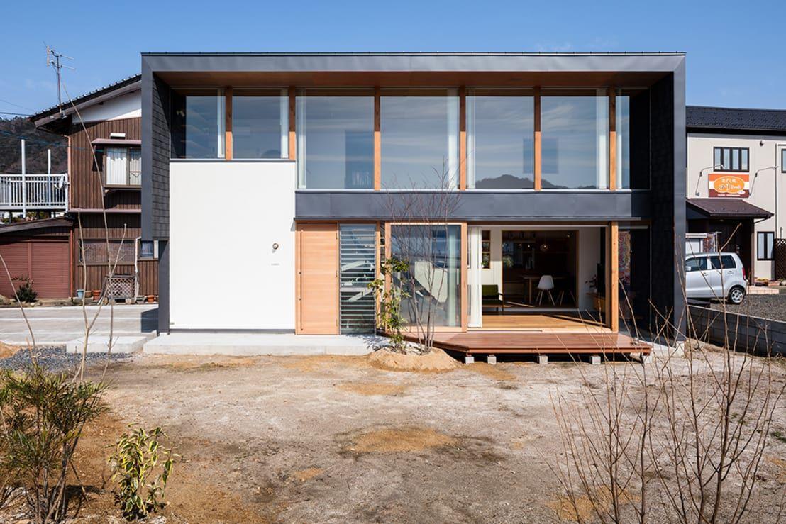 海の近くの眺めの良い家 住宅 外観 建築設計事務所 家