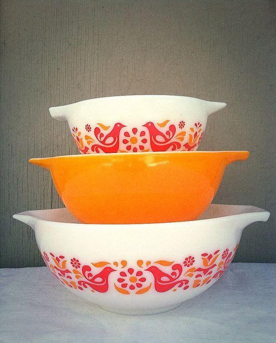 PYREX Friendship Mixing Bowls - Cinderella Bowl Set - Orange - Red ...