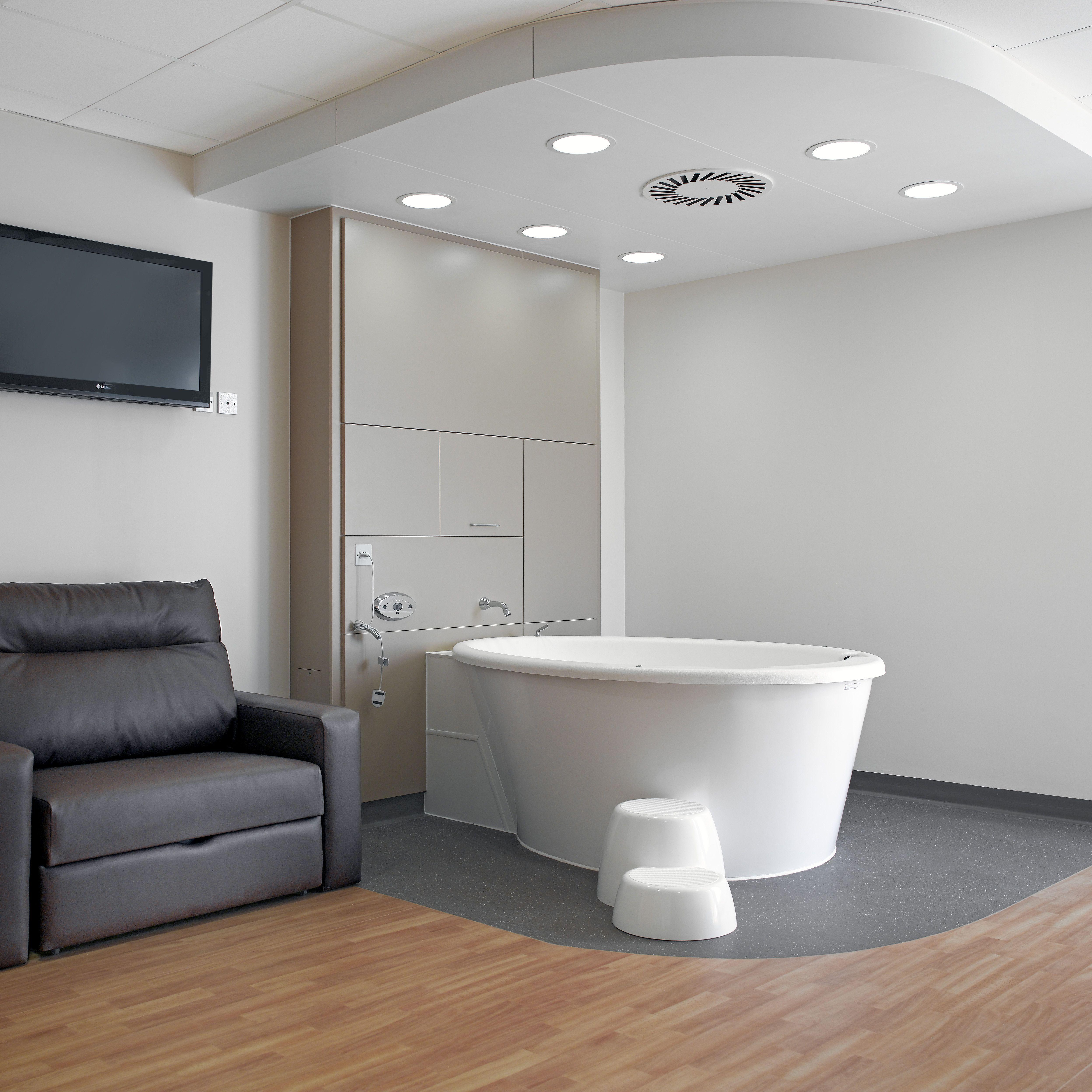 Edinburgh birth centre Birthing suite, Room, Clinic design