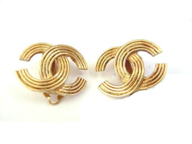Chanel Vintage Very Simple Cc Logo Clips Earrings Ebay Link
