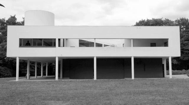 Video: Recorriendo La Villa Savoye de Le Corbusier