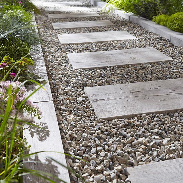 Remplir les plate bandes actuelles tout simplement avec le gravillon concass - Gravier jardin castorama ...