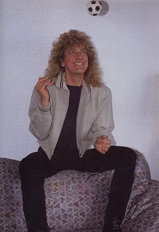 great photo of Robert Plant.