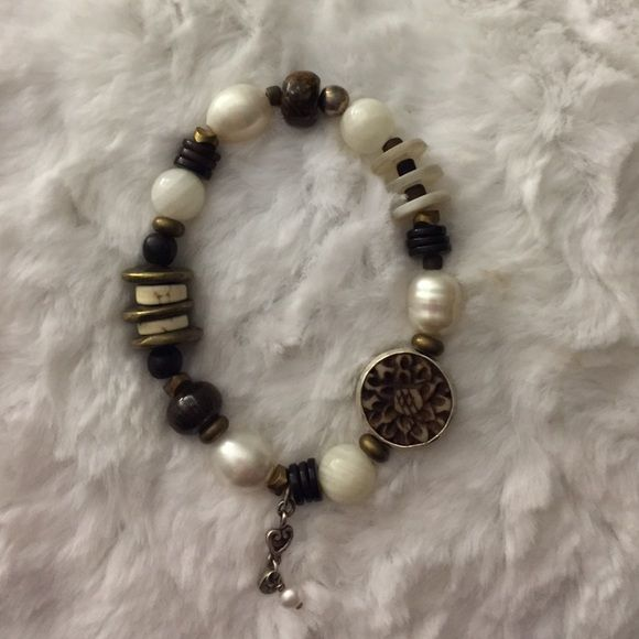 Silpada Bracelet Silpada Bronzite pearl brass stretch bracelet. Jewelry Bracelets