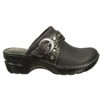 B.O.C.  Women's Karley at Famous Footwear